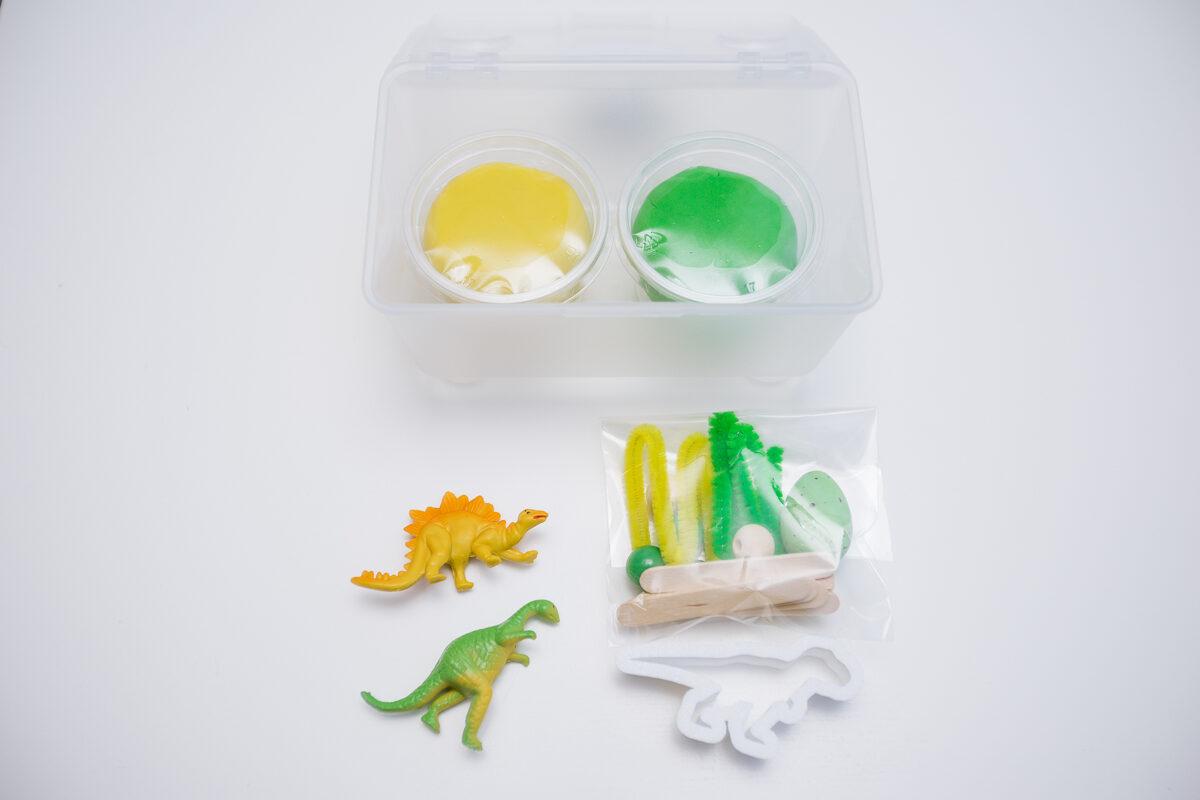 MINI DINO - Plastilīna (playdough) komplekts bērna radošās, sensorās un iztēles attīstībai