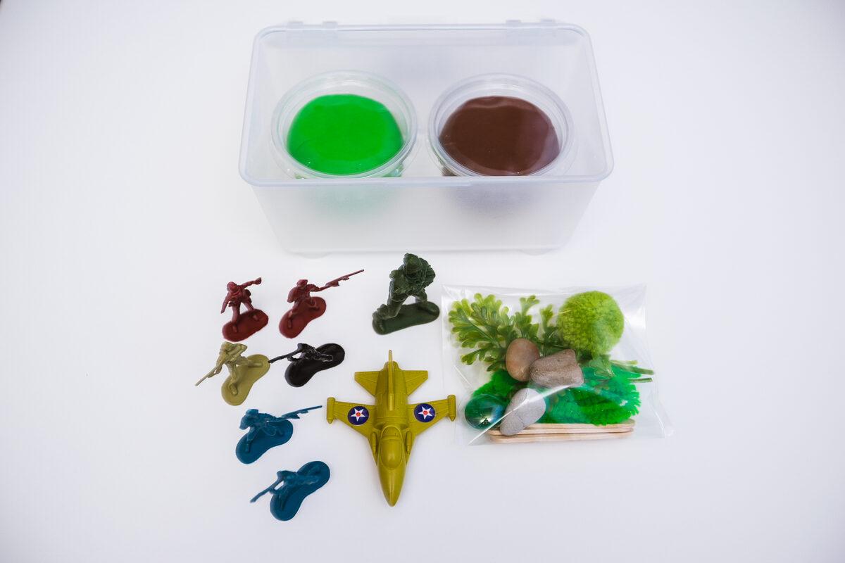 MINI ARMIJA - Plastilīna (playdough) komplekts bērna radošās, sensorās un iztēles attīstībai